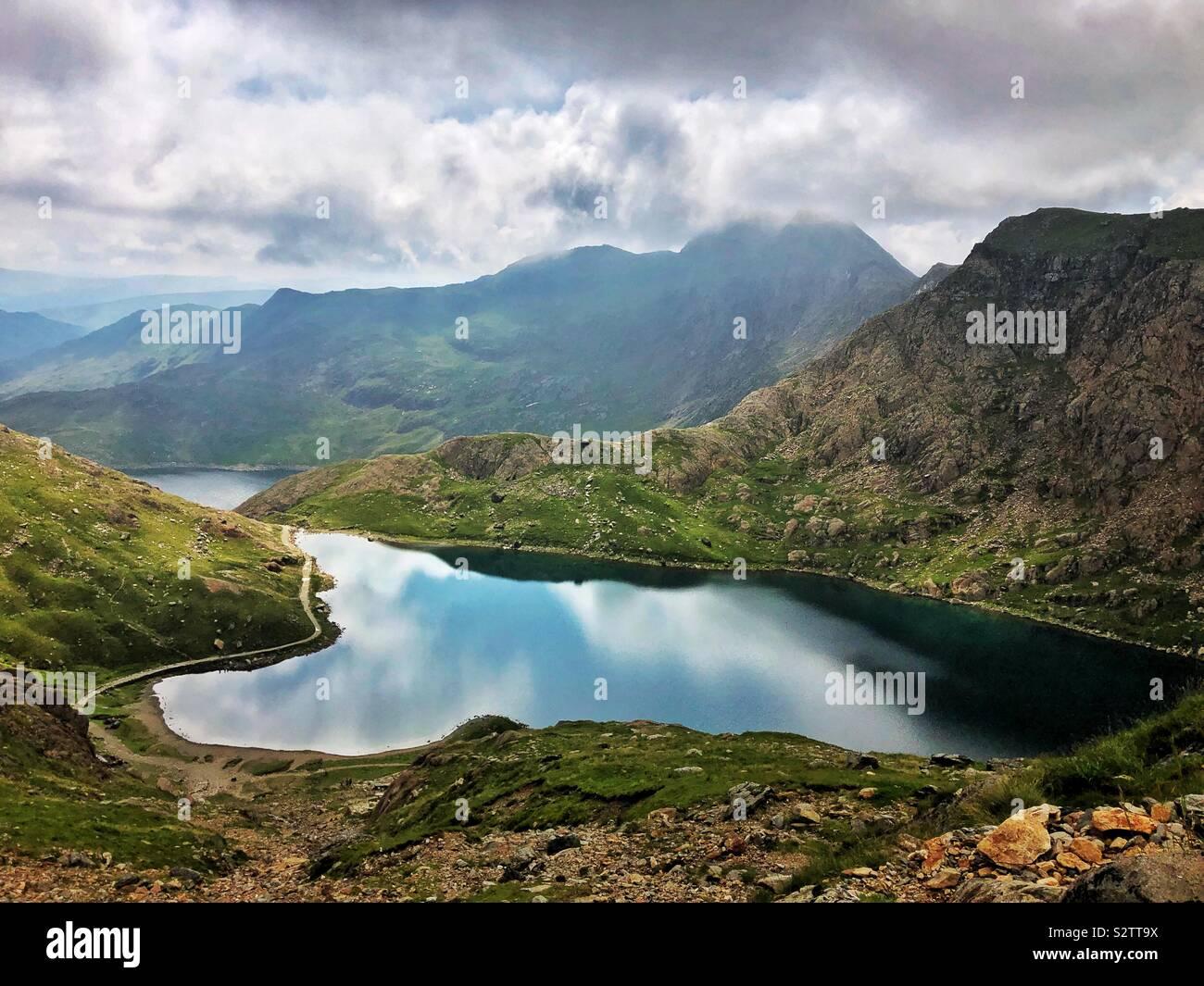 Glaslyn, le lac ci-dessous Mont Snowdon, août. Banque D'Images