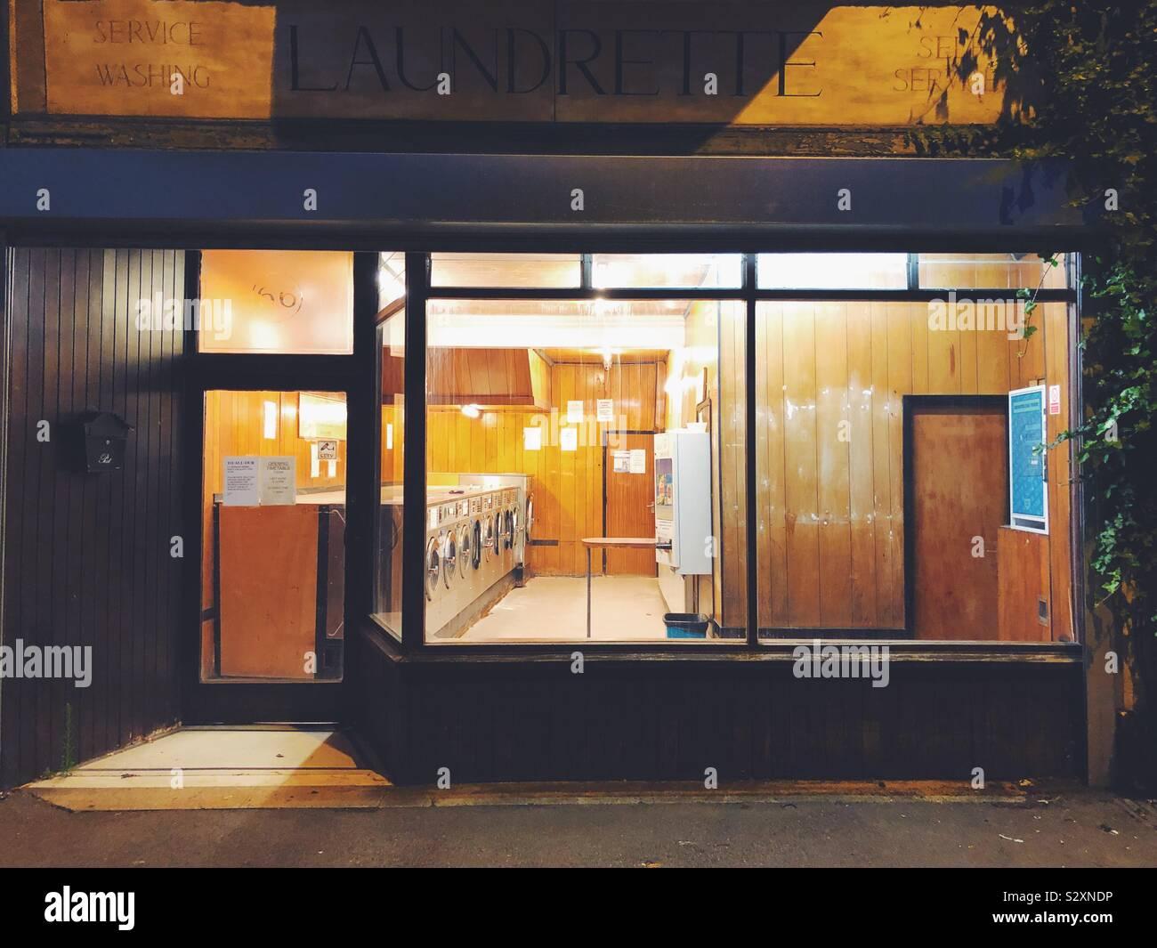 La nuit laverie abandonnée Banque D'Images