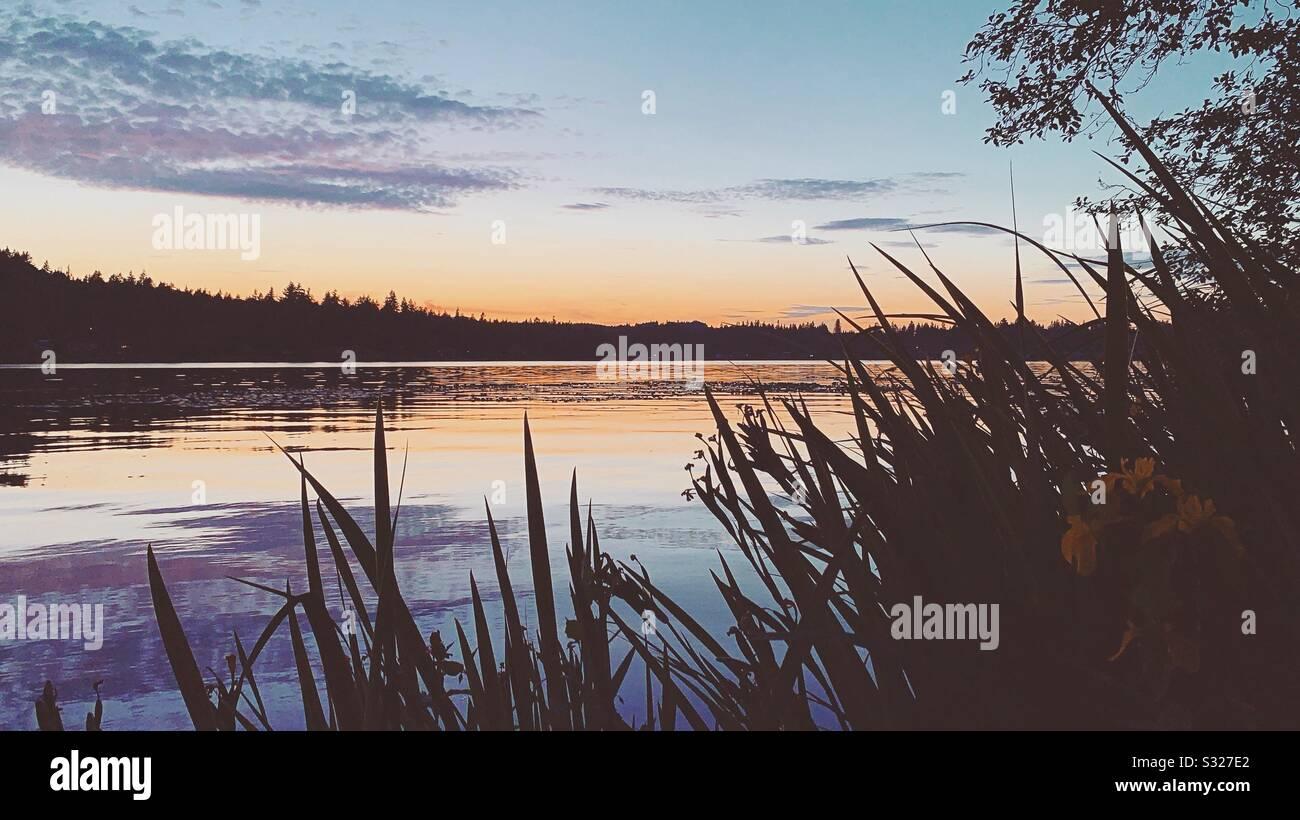 Coucher du soleil du lac Banque D'Images