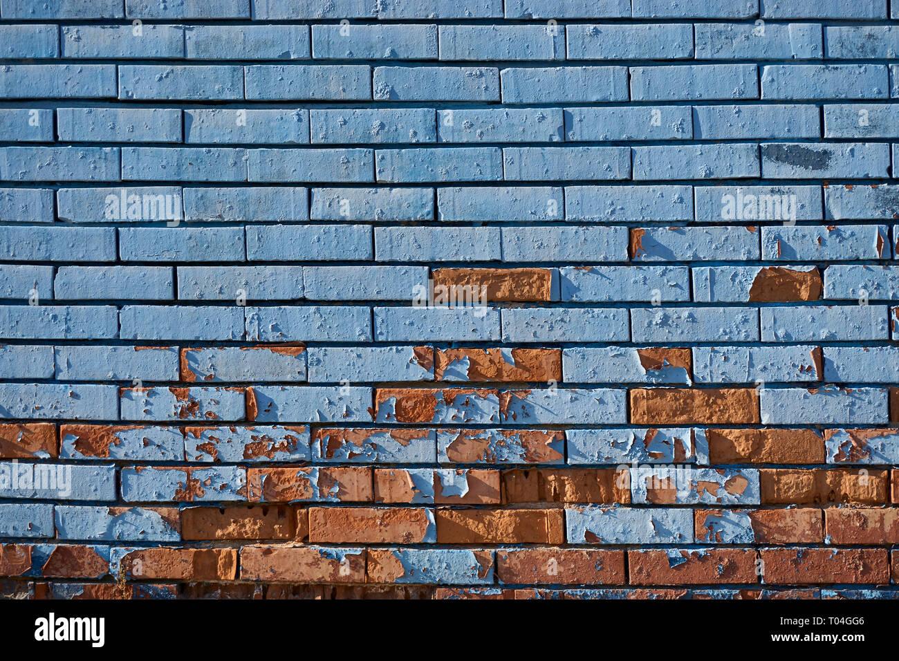 Peindre Un Mur De Brique ancien bleu mur de briques avec peinture écaillée banque d