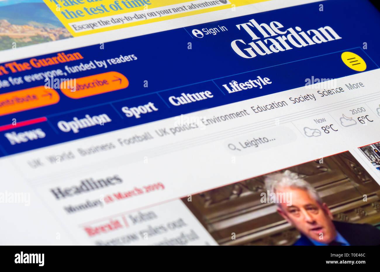 Le Guardian news website front page pour la version en ligne du journal The Guardian au Royaume-Uni.. Photo Stock