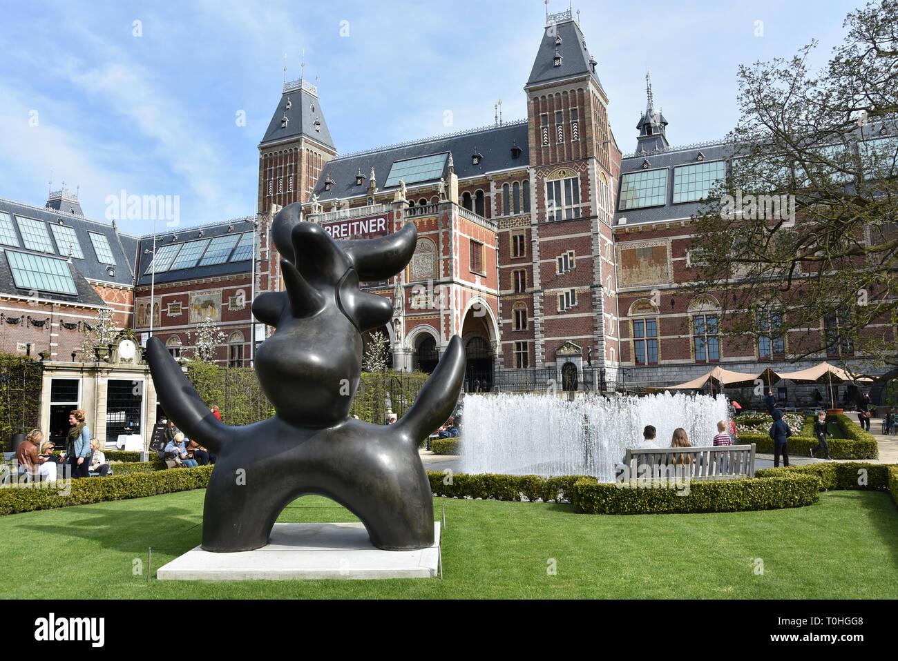 Oiseau Lunaire bronze 1966-1983 Joan Miro 1893-1983 Rijksmuseum ( Museumplein ) Amsterdam Pays-Bas Dutch Museum Photo Stock