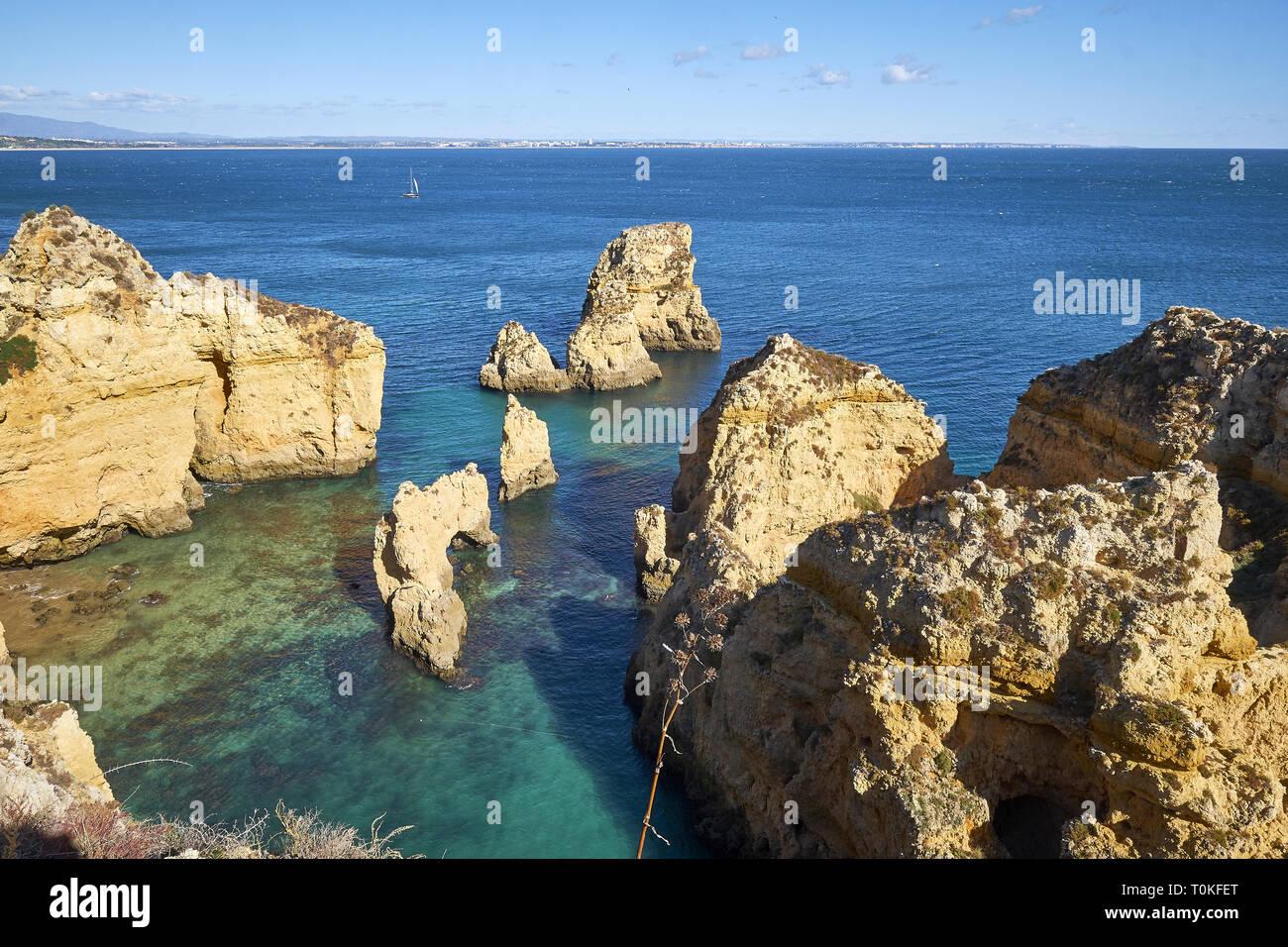 Côte Rocheuse à Ponta da Piedade près de Lagos, Algarve, Faro, Portugal Banque D'Images