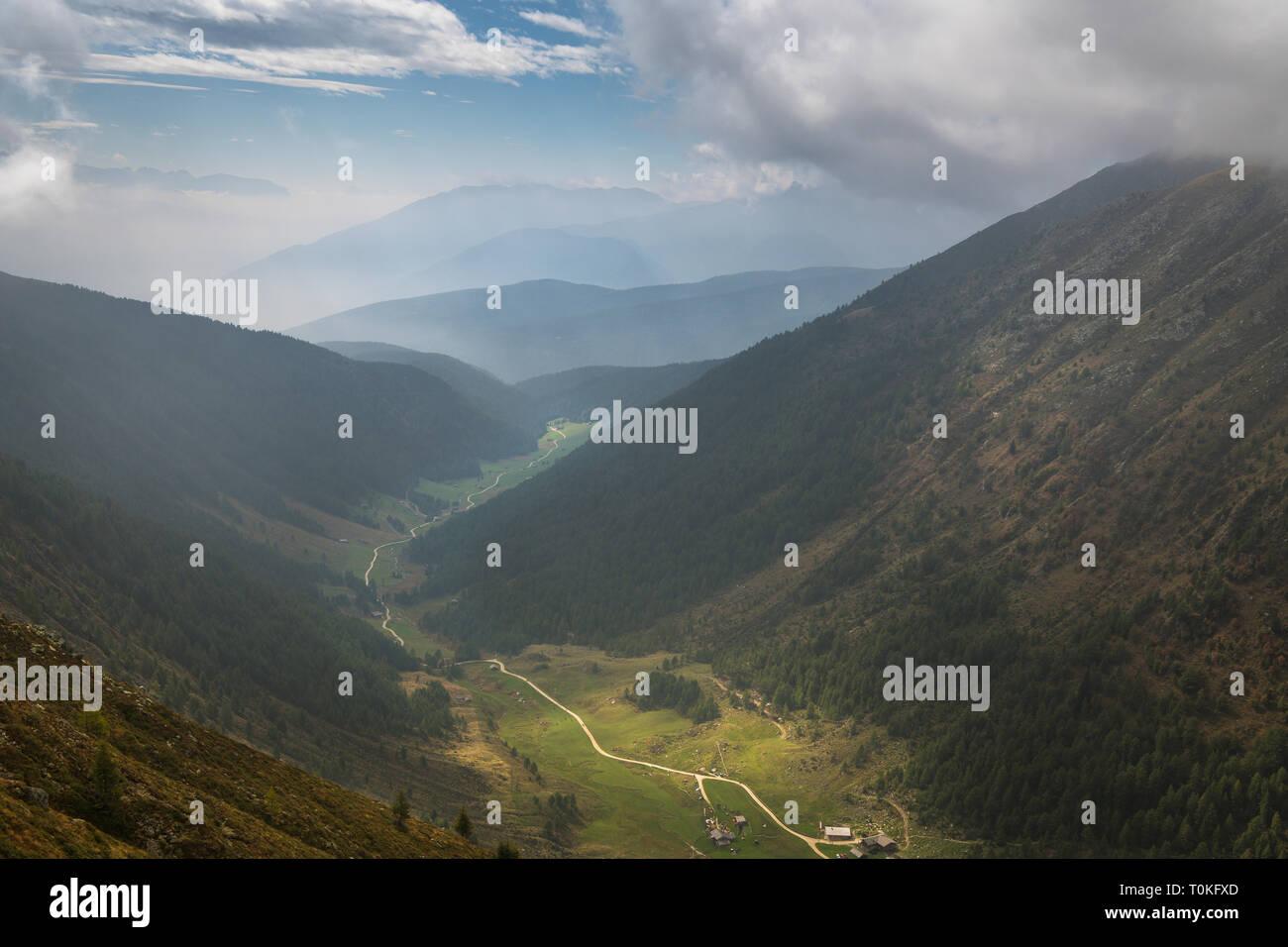 Randonnée pédestre à la société valser, Seefeldspitze Pfunderer Tal, Berge, Tyrol du Sud, Italie Banque D'Images