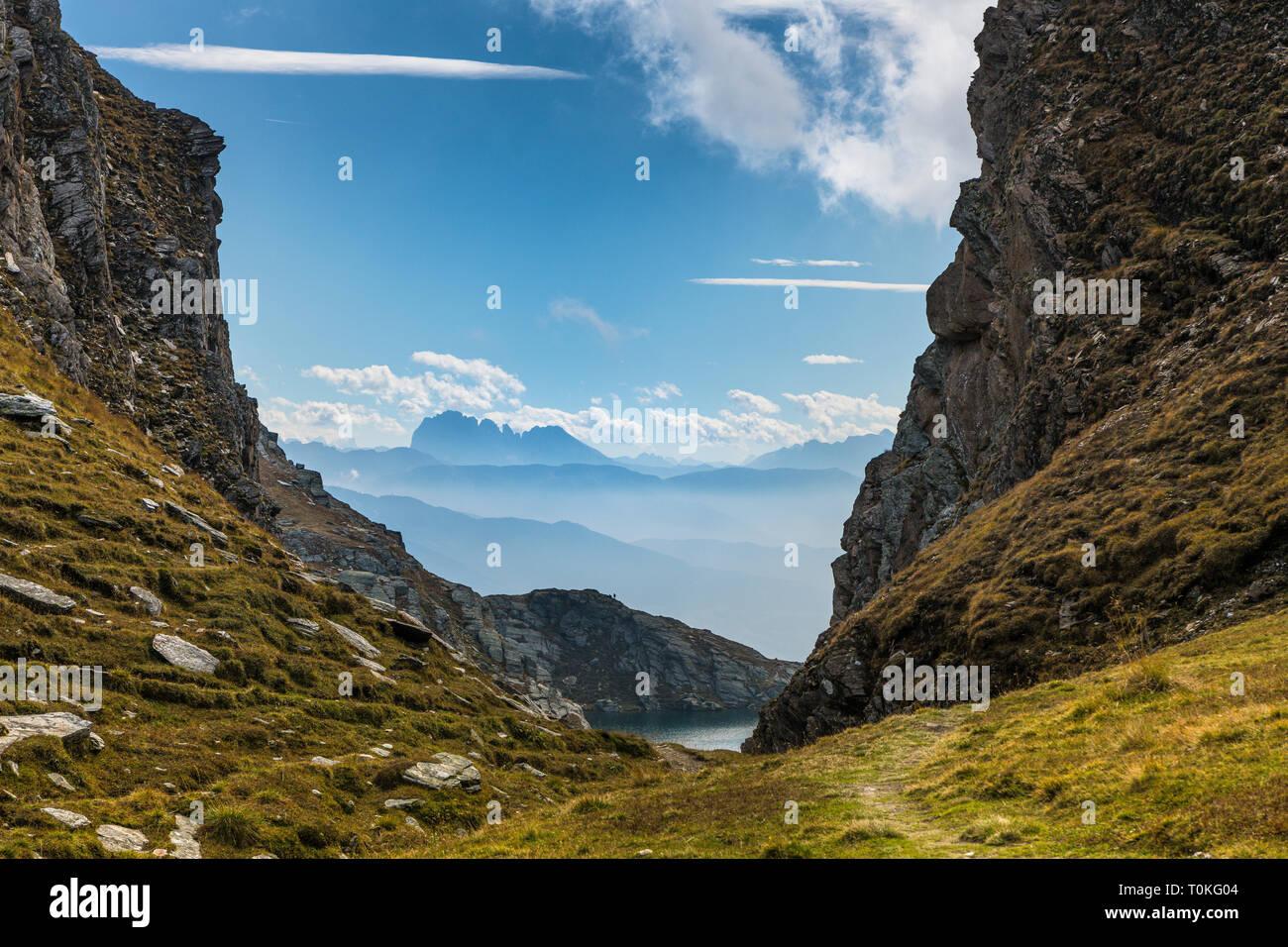 Randonnée à la Seefeldspitze, vue de l'Langkofelgruppe et Seefeldsee Pfunderer Tal, la société valser, montagnes, le Tyrol du Sud, Italie Banque D'Images