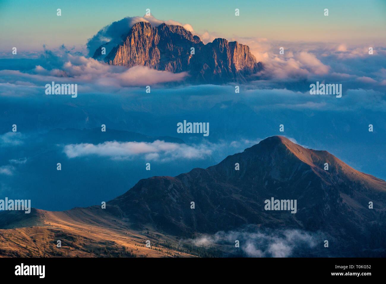 Vue depuis le Rifugio Lagazuoi à la Civetta, Dolomites, Italie Banque D'Images