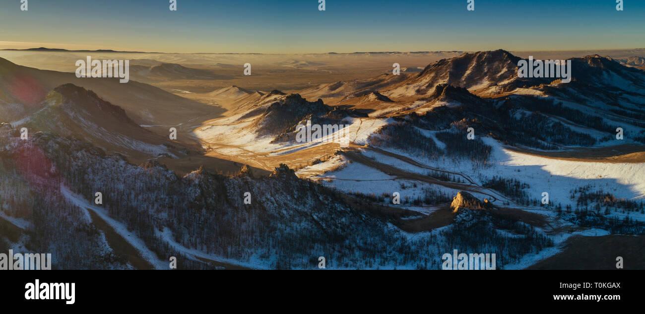 Lever du soleil en Suisse, mongole, Parc National de Gorkhi-Terelj en Mongolie Banque D'Images