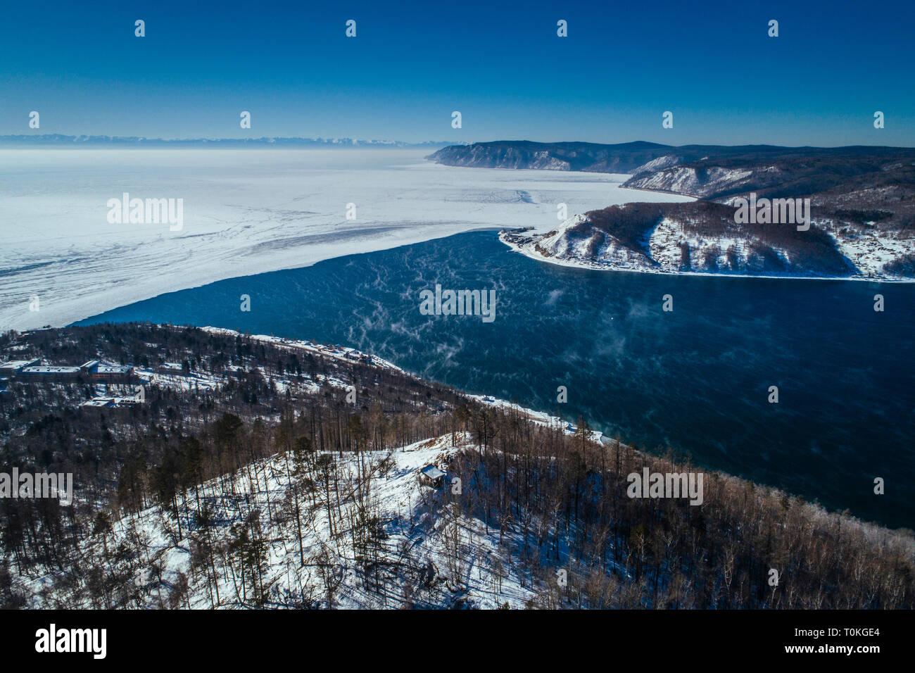 Le lac Baïkal en hiver, Russie Banque D'Images