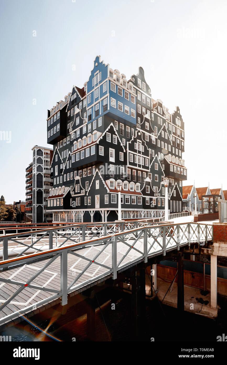 Hôtel avec une architecture exceptionnelle à Zaandam près d'Amsterdam, Pays-Bas Banque D'Images