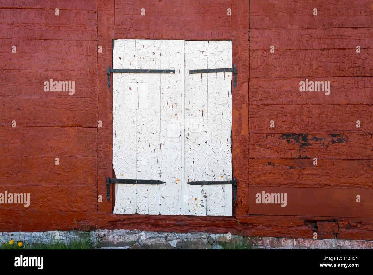 Peinture sur porte ancien entrepôt peeling, Sisimiut, Groenland Photo Stock