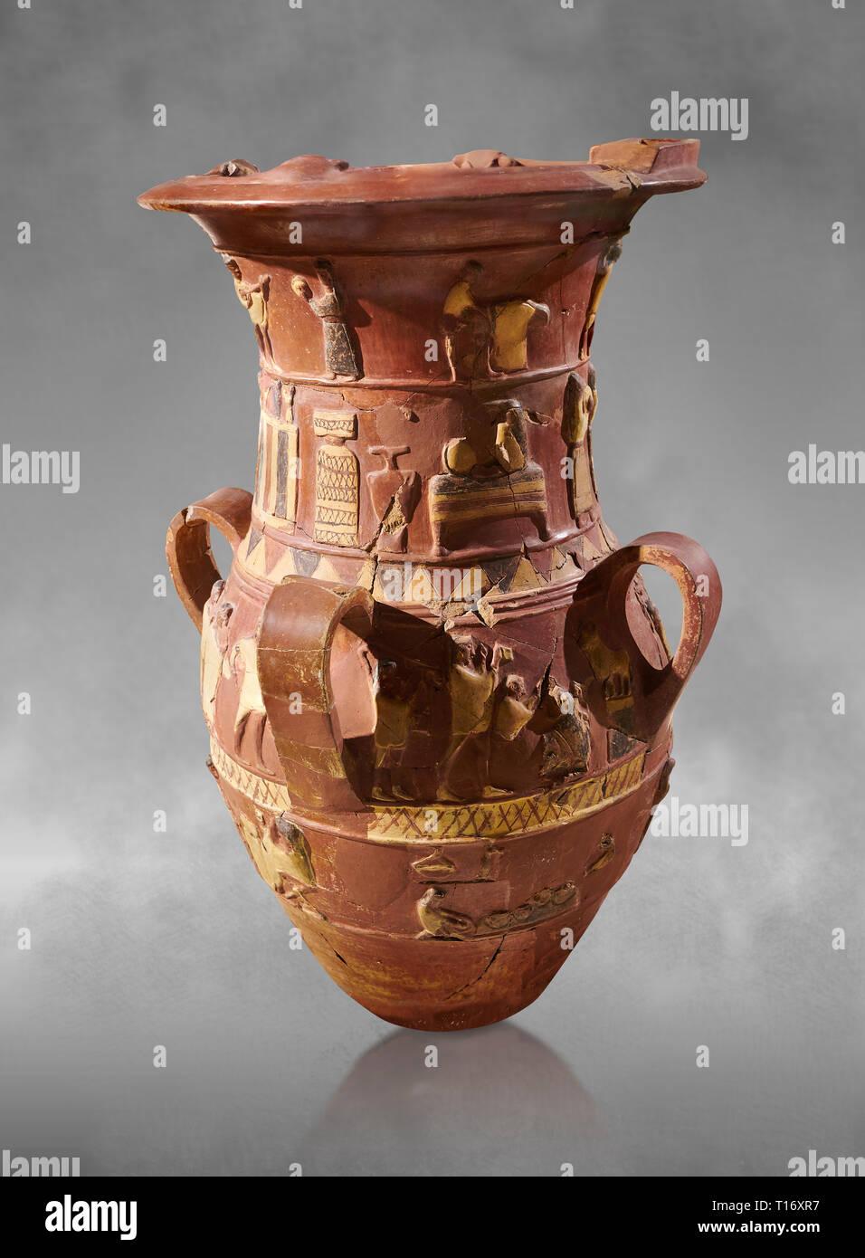 Inandik secours culte Hittite décoré de libation vase avec quatre frises décoratives avec chiffres colorés en crème, rouge et noir. Dans le regist Banque D'Images