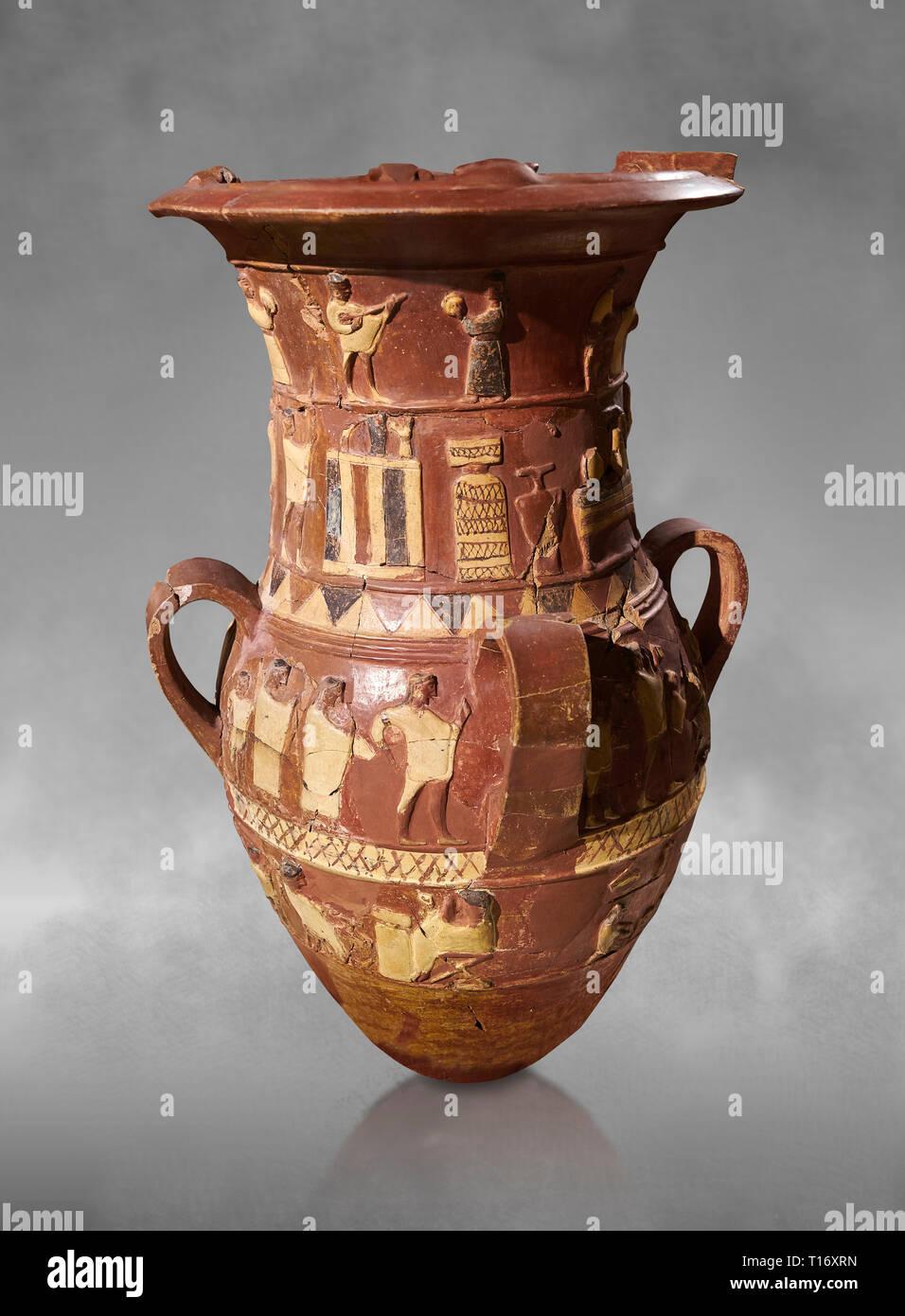 Inandik secours culte Hittite décoré de libation vase avec quatre frises décoratives avec chiffres colorés en crème, rouge et noir. La voie processionnelle Banque D'Images