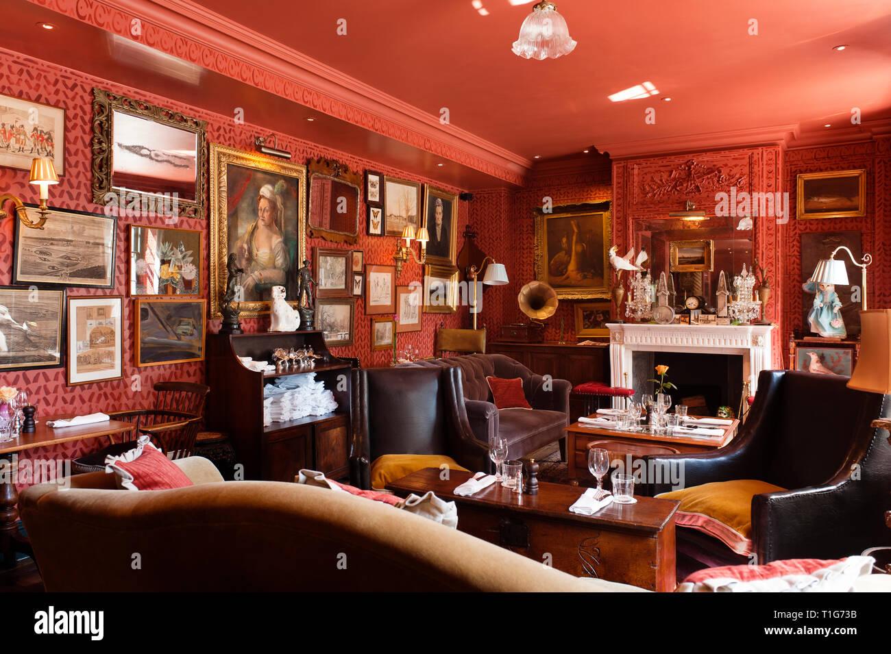 'Victorian cocktail lounge dans The Zetter Townhouse à Londres, Angleterre Photo Stock