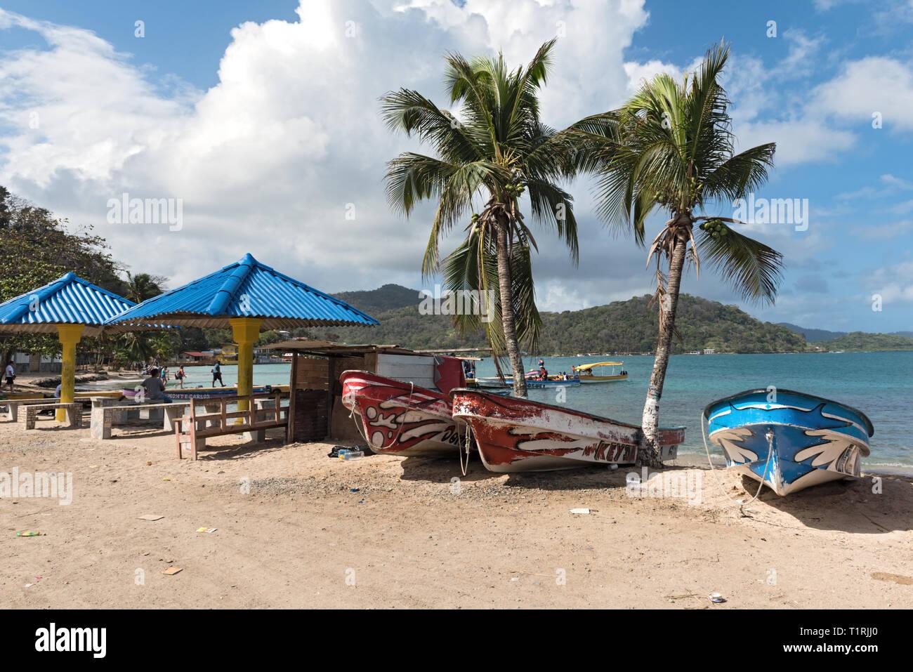 Bateaux à la plage des Caraïbes Panama Puerto lindo Banque D'Images