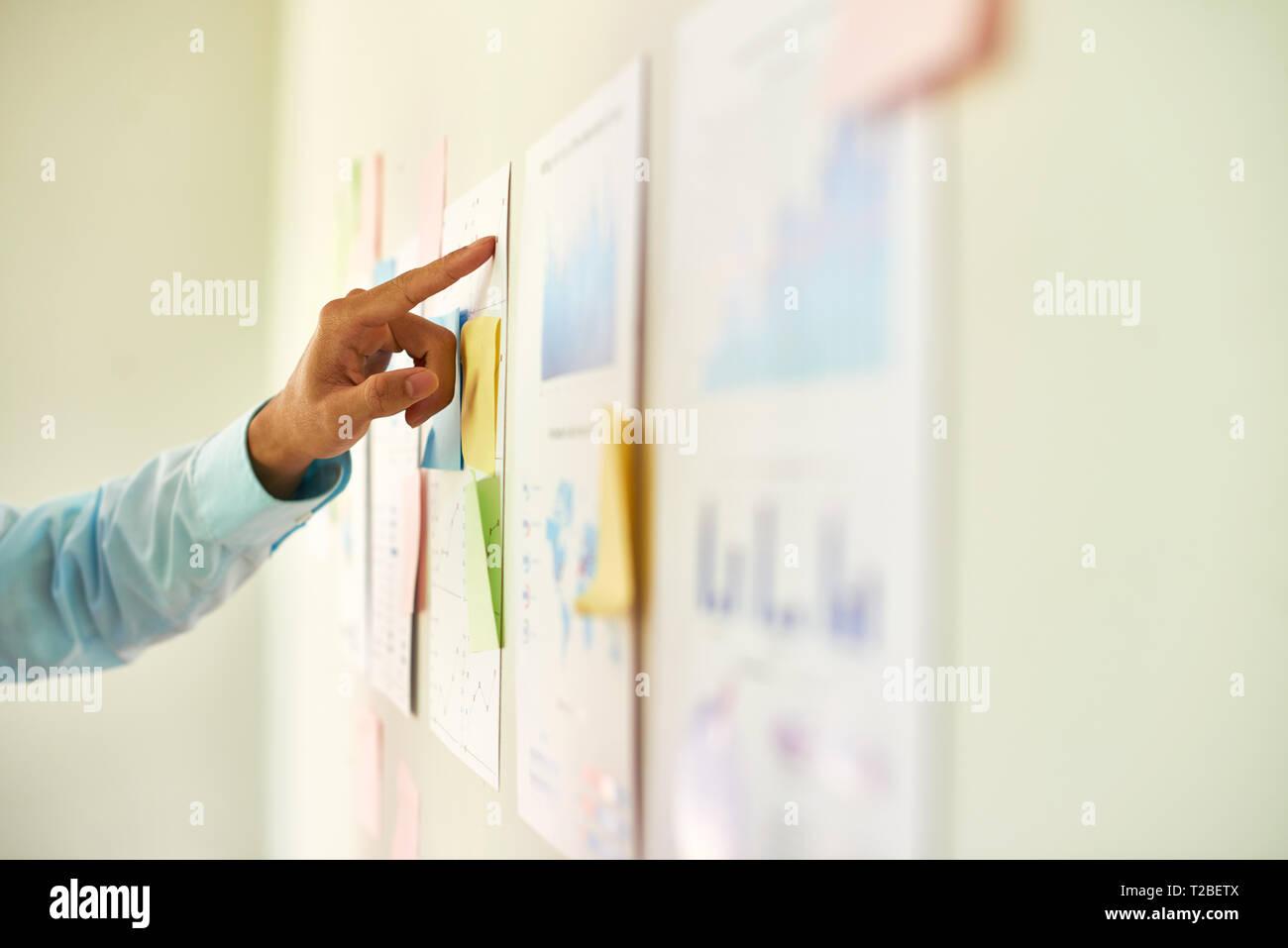 Rapport d'analyse de l'entrepreneur Banque D'Images