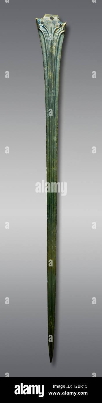 Décorée de bronze Hittite sword blade. Période Hittite 1650 - 1450 BC. Hattusha Boğazkale. Çorum Musée Archéologique, Corum, Turquie Photo Stock