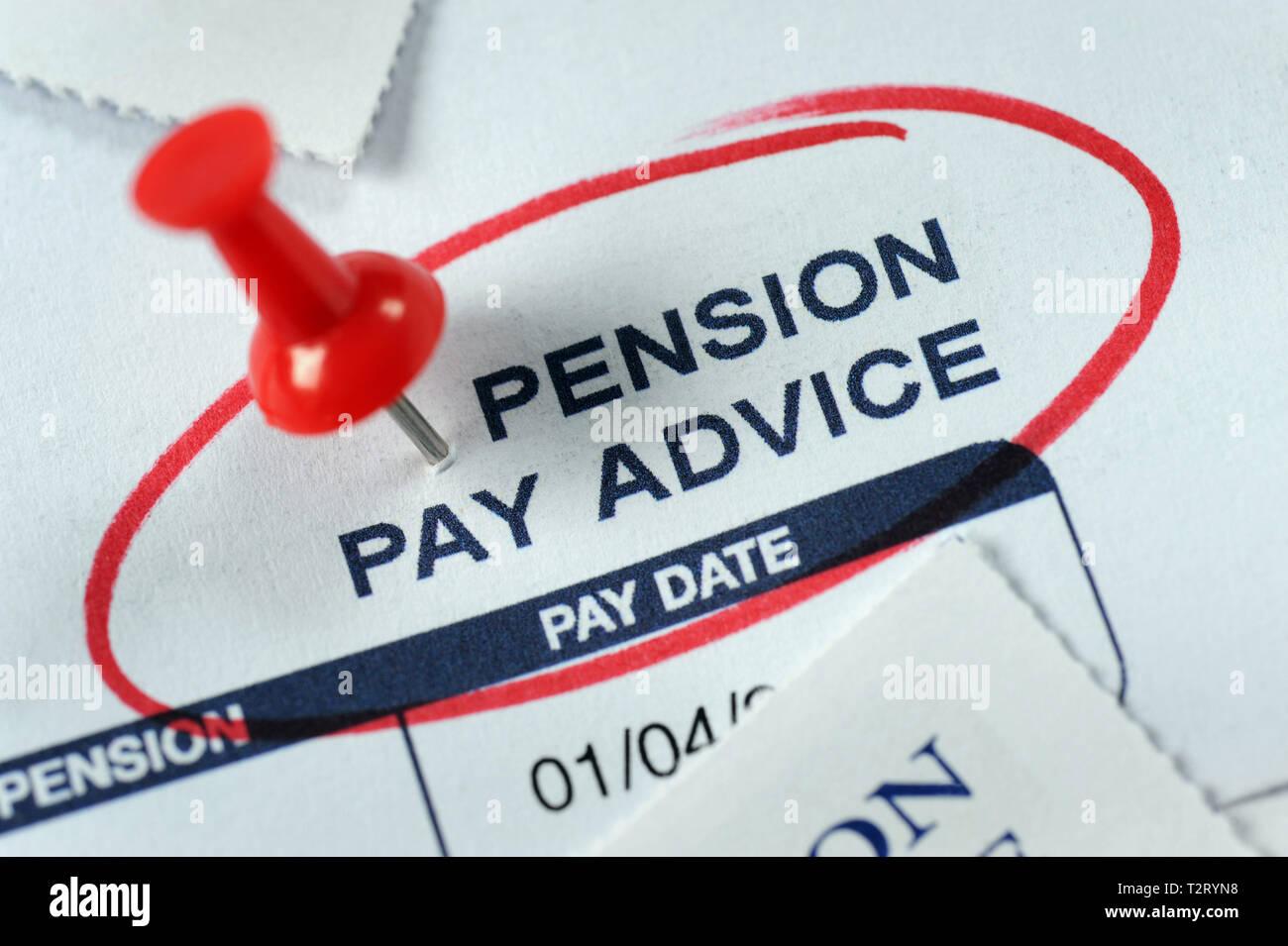 Payer LA PENSION DE RETRAITE DES CONSEILS RE POT D'ÉPARGNE-RETRAITE RETRAITÉS ETC UK Photo Stock