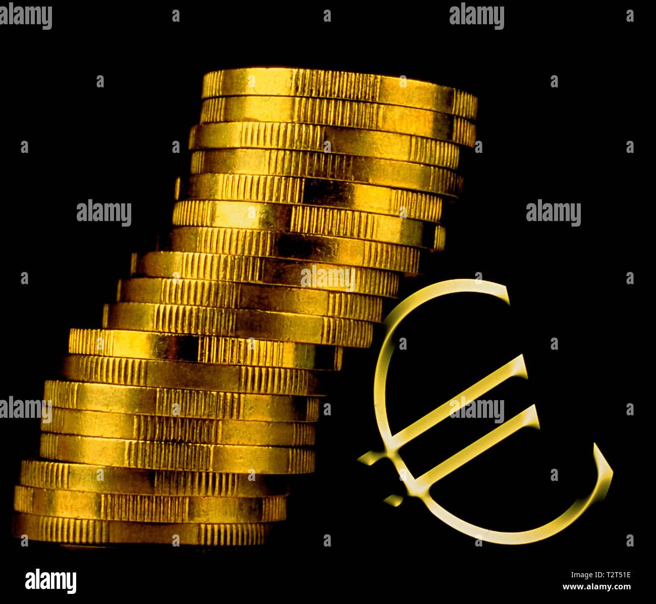 Euro symbolique et pièces en euro Photo Stock