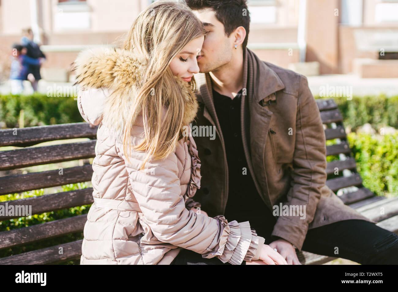 Couple l amour avec jeune femme [PUNIQRANDLINE-(au-dating-names.txt) 56