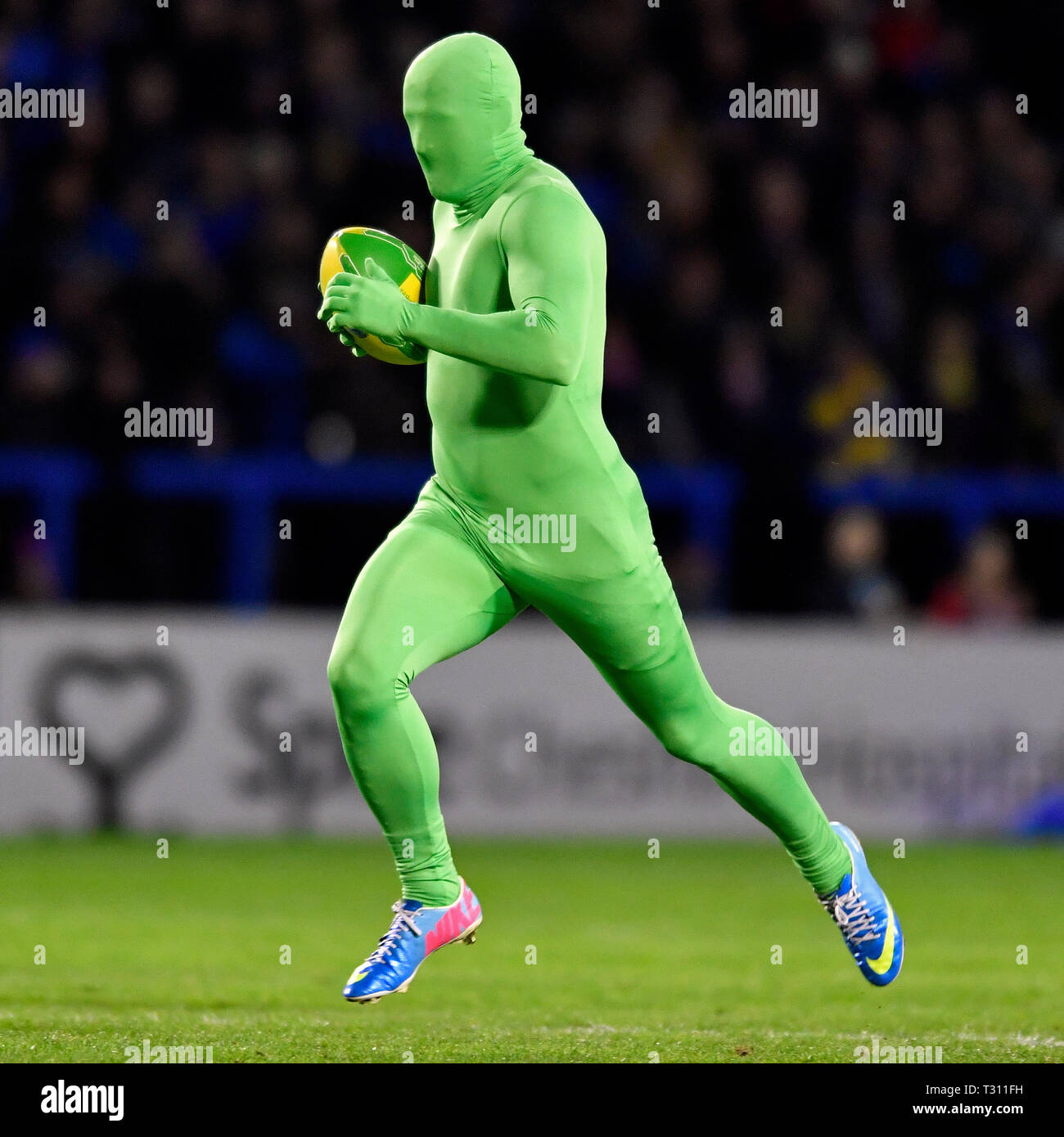 Stade Halliwell Jones, Warrington, Royaume-Uni. 5ème apr 2019. Super League rugby Betfred, Warrington Wolves contre London Broncos ; la moitié de temps à Warrington Wolves fil 'Flyer' Credit : Action Plus Sport/Alamy Live News Photo Stock