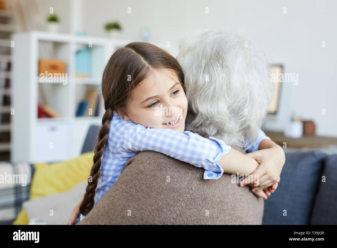 Faire place au Grand-mère petite fille Photo Stock