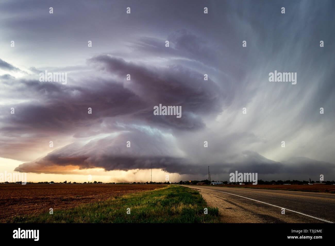 Orages supercellulaires près de Lamesa, Texas. Banque D'Images