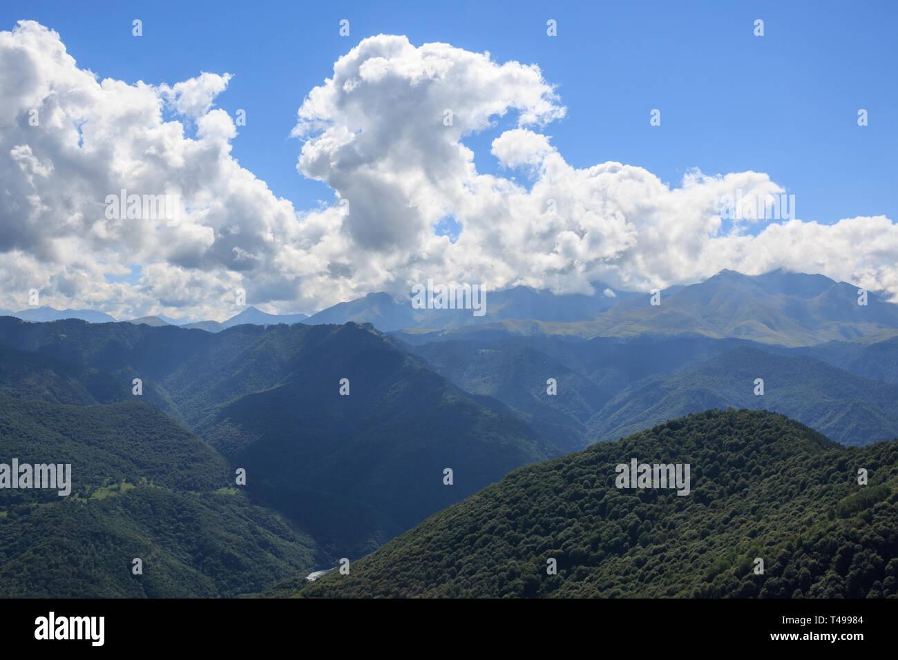 Vue Rapprochée De La Vallée Et Les Montagnes Du Parc