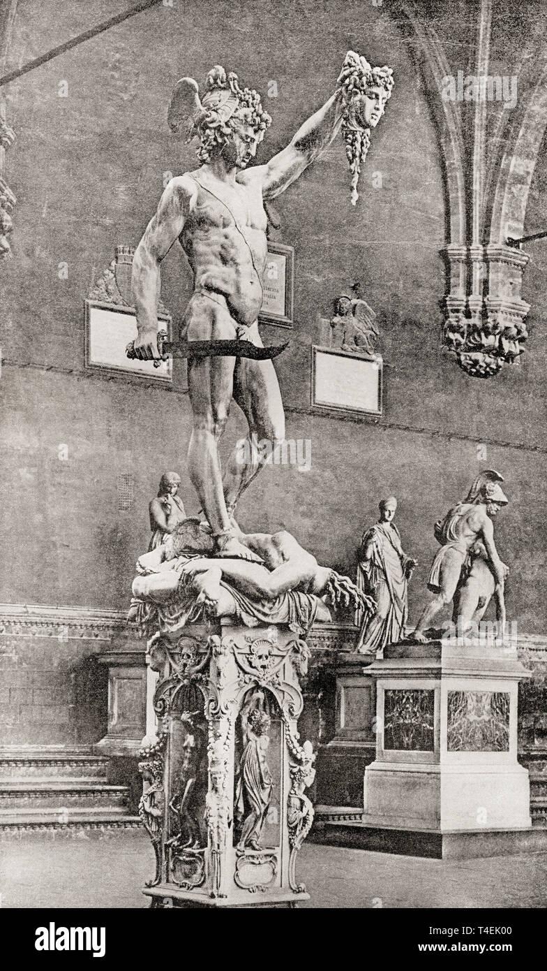 Statue de Persée avec la tête de Méduse, par Benvenuto Cellini, 1554. Selon la mythologie grecque, la Gorgone Méduse Persée décapité pour Polydectes et enregistrés à partir d'Andromède le monstre marin Cetus. À partir de la bibliothèque de documentation internationale célèbre, publié c. 1900. Photo Stock