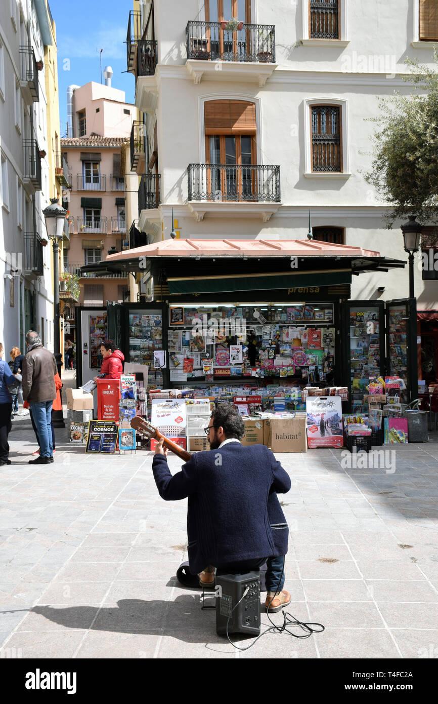 Musicien ambulant, Placa del Doctor Collado, Valencia, Espagne 2019 Banque D'Images
