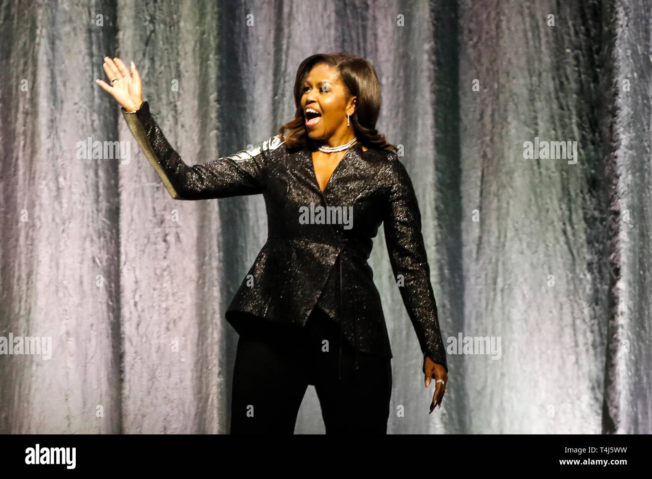 Amsterdam, Pays-Bas. 17 avr, 2019. AMSTERDAM, 17-04-2019, Ziggo Dome, Michelle Obama au cours de la tournée de lecture devenir : une conversation intime avec Michelle Obama : Crédit Photos Pro/Alamy Live News Photo Stock