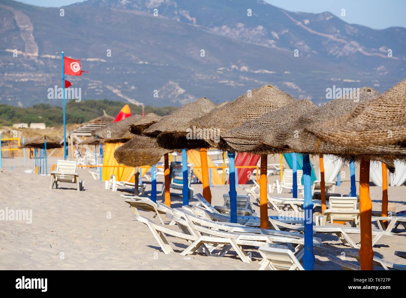 Plage tunisienne dans la matinée sans personnes Photo Stock