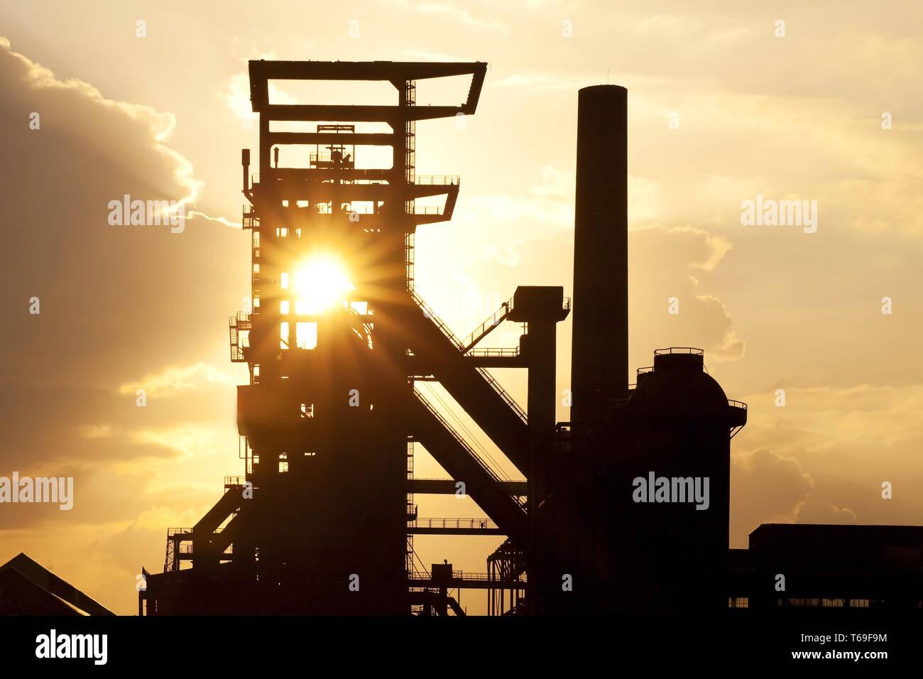 Usine industriel désaffecté Phoenix West avec haut-fourneau 5, Dortmund, Ruhr, Allemagne, Europe Banque D'Images