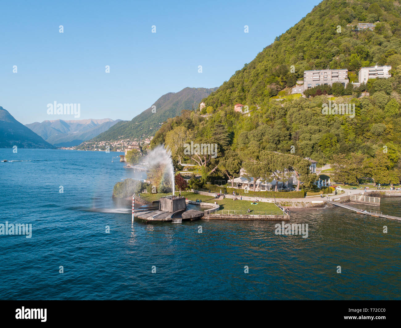 Lac de Côme, l'établissement Villa Geno et grande fontaine. Attraction touristique en Italie Banque D'Images