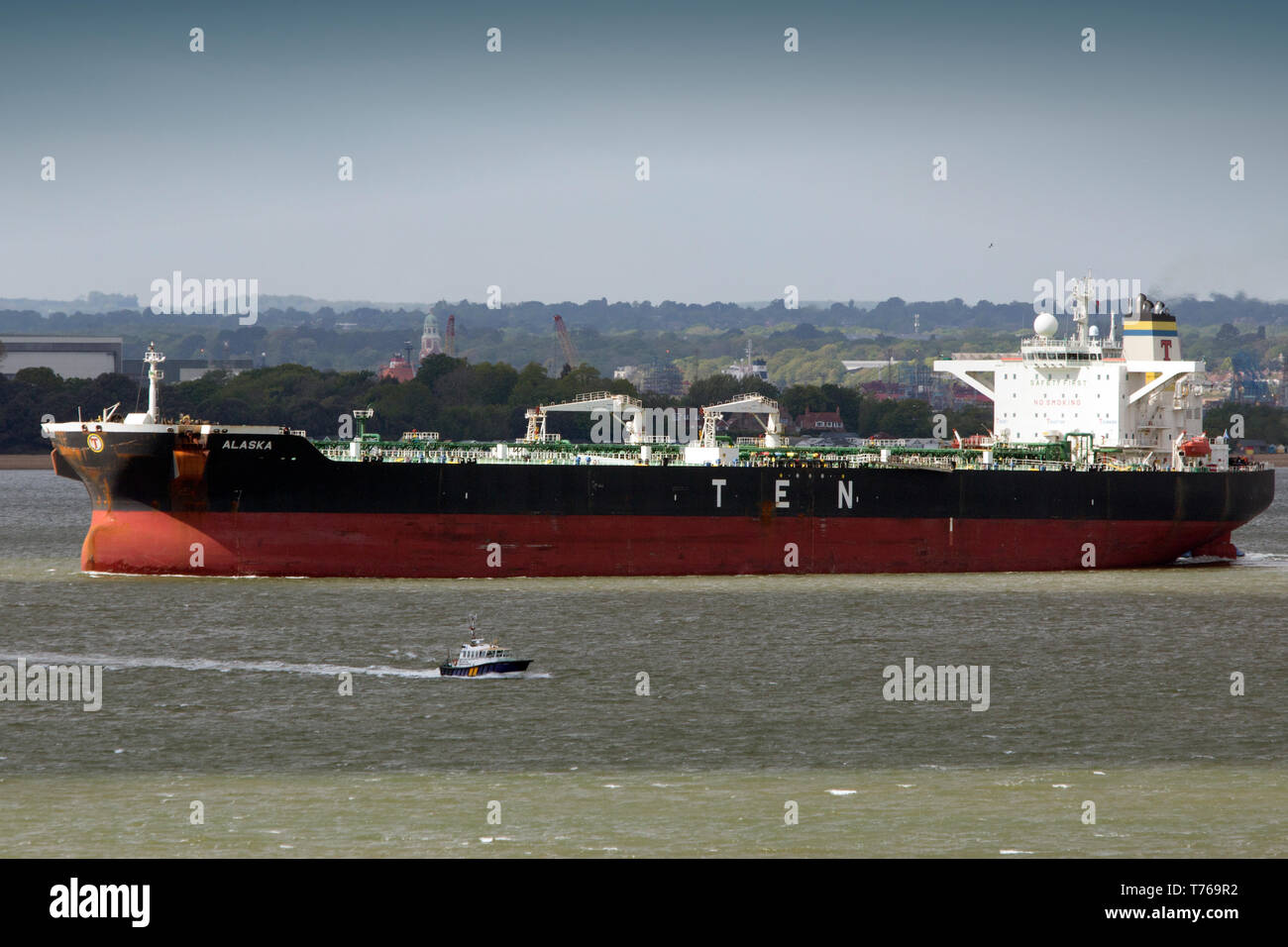 Southampton,chimiques,services,port,,remorquage,Citerne,Raffinerie,Fawley Le Solent,combustibles,modifier,mondial,assistance,remorquage,réchauffement remorqueur,carburant,essence,etat,,flag Photo Stock