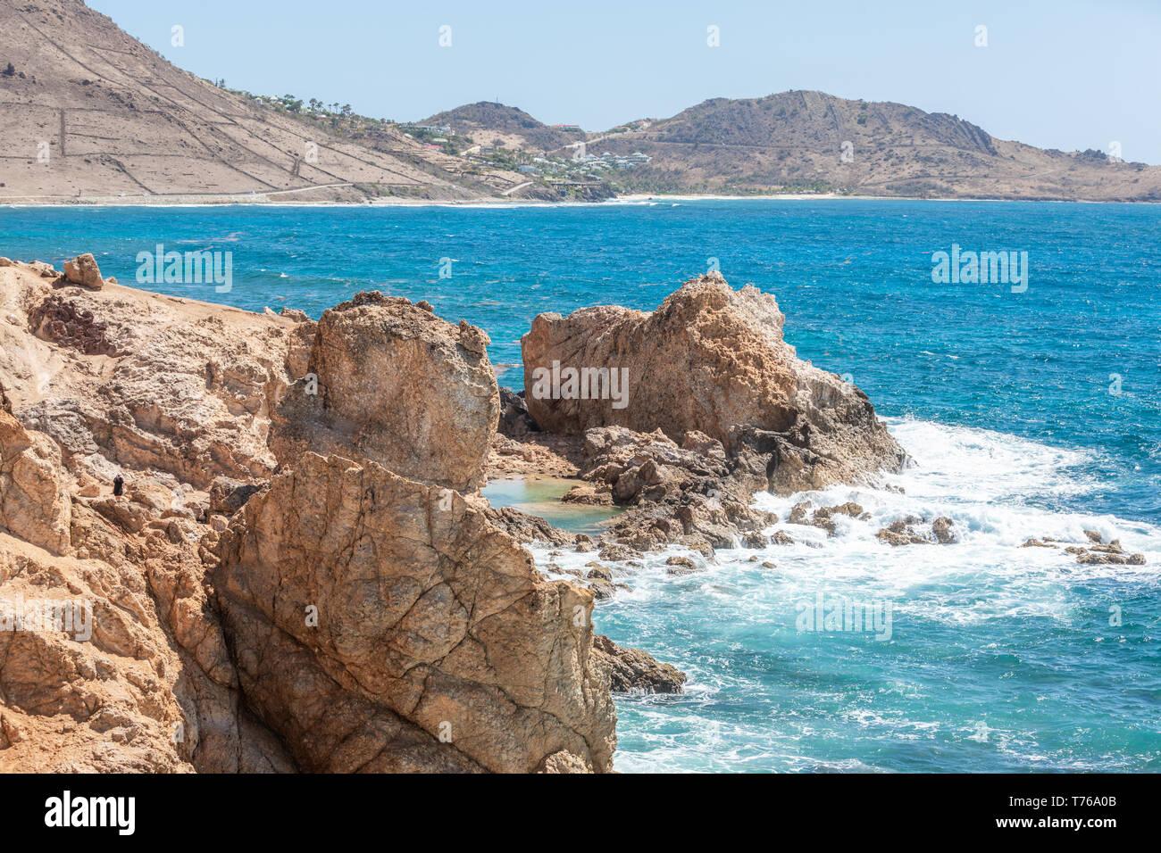 La ligne de rivage rocheux de Grand Fond, St Barts Photo Stock