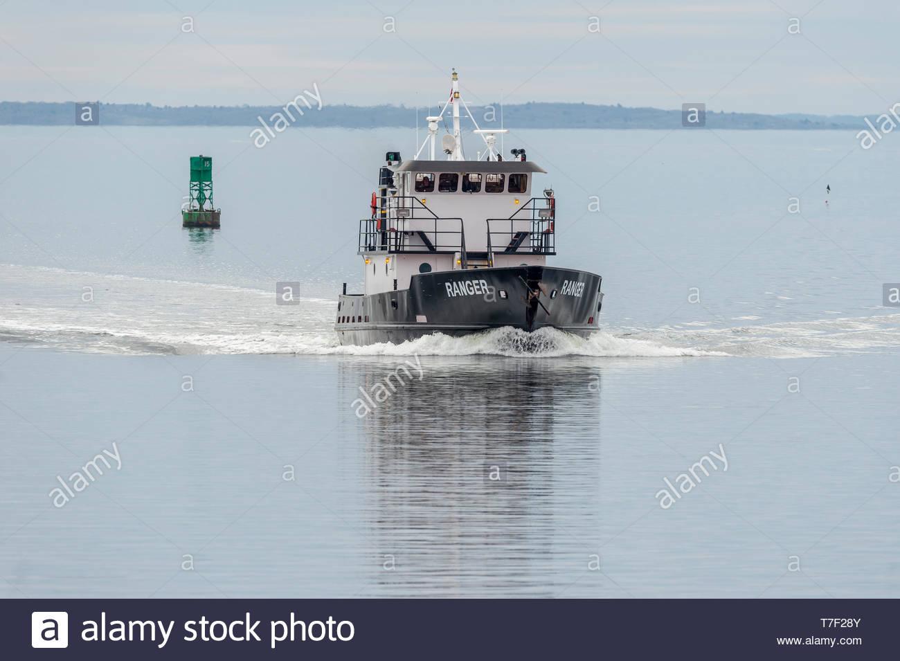 New Bedford, Massachusetts, USA - Mai 1, 2019: le Massachusetts Maritime Academy école Ranger revenant du court voyage à Buzzards Bay Photo Stock