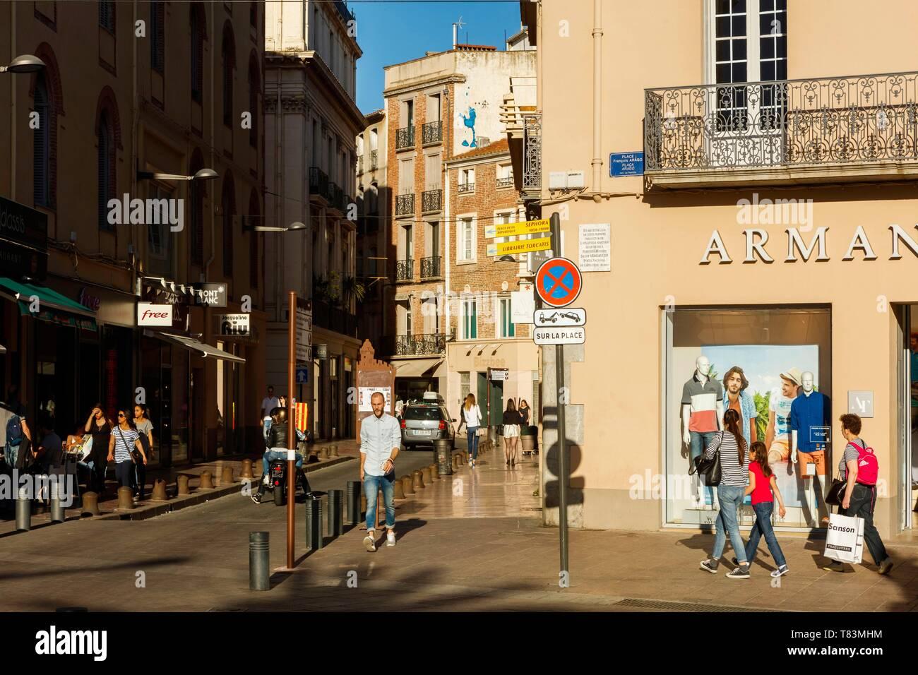 France, Pyrénées Orientales, Perpignan, centre ville, scène de rue au centre-ville Photo Stock
