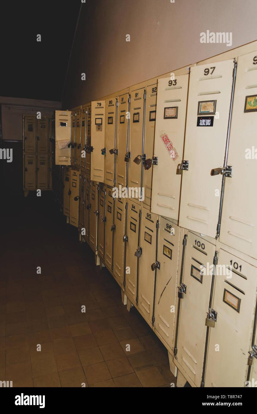 Locker répétition dans une ancienne école Photo Stock