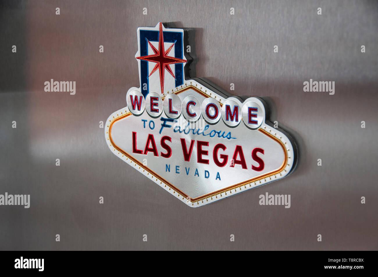Las Vegas Réfrigérateur aimant fixé à un réfrigérateur en acier inoxydable moderne Photo Stock