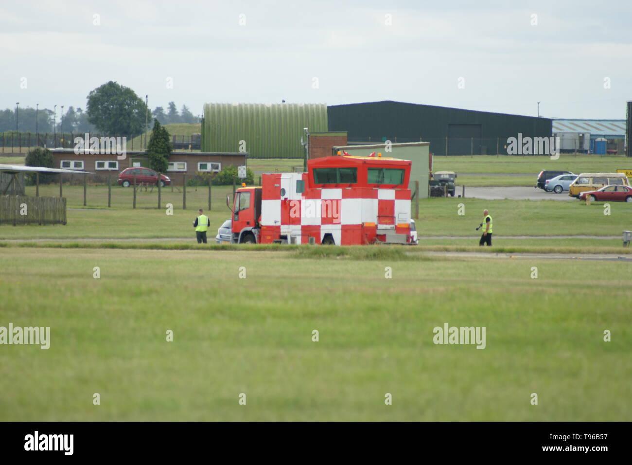L'aérodrome militaire, contrôle aérien bus Photo Stock