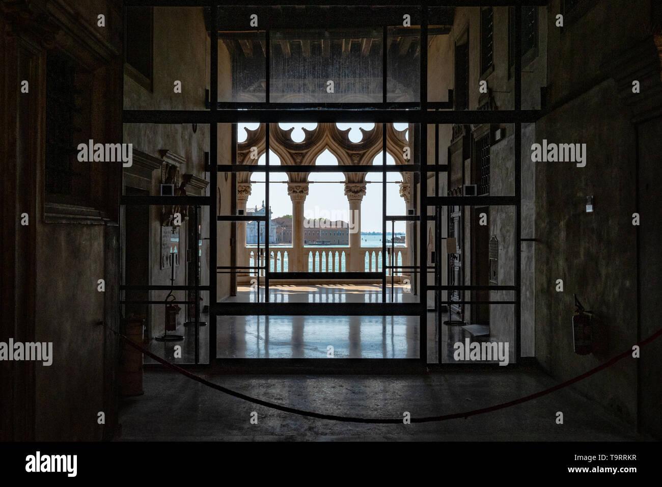 Venise, Italie - 18 avril 2019 Vue de Venise depuis l'intérieur du Palais des Doges par jour Banque D'Images