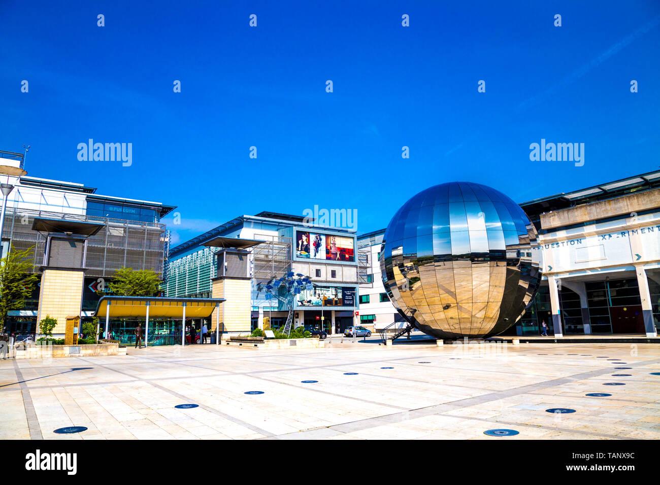 Le Planétarium, nous les curieux (précédemment At-Bristol) Science Centre à la place du millénaire, Bristol, Royaume-Uni Banque D'Images