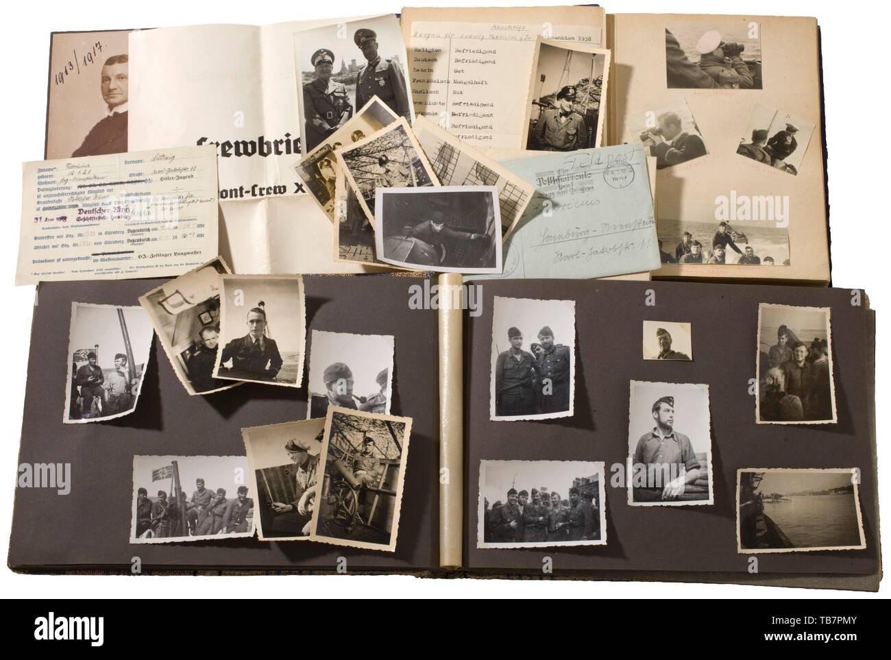Un grand domaine photographique de Ludwig Fabricius (1921 - 2002) - commandant de l'U 821, une succession de la plus jeune commandant de sous-marin dans la marine allemande. La carrière de cet officier de marine est représenté dans de nombreux albums de photos ainsi que des images: photos de formation, de nombreuses images sous-marines, vues de la tourelle, photos de bateaux intérieurs et les portraits. De plus, sur le terrain des lettres, cartes postales, papiers d'identité et autres documents. À partir de sa famille vient d'autres album photo et photos en vrac de la marine impériale (père) et de la Luftwaffe pendant la Seconde Guerre mondiale. Très interes, Editorial-Use-seulement Photo Stock