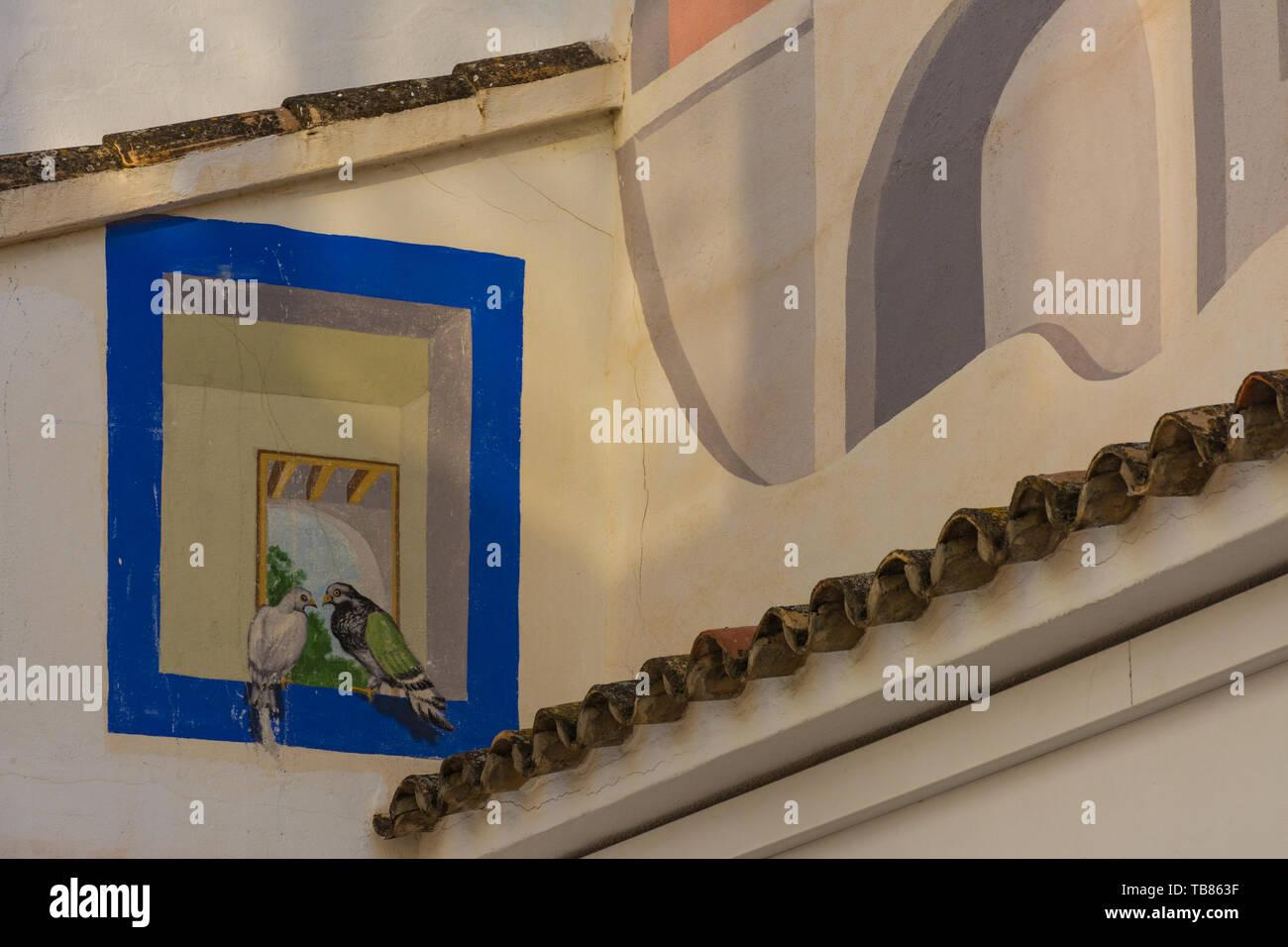 Calpe, Alicante, Espagne. 10 mai 2019: la place de moustiques. Détail dans le mur avec peinture effet visuel. Artiste: Elias Urbez, 1990 Photo Stock
