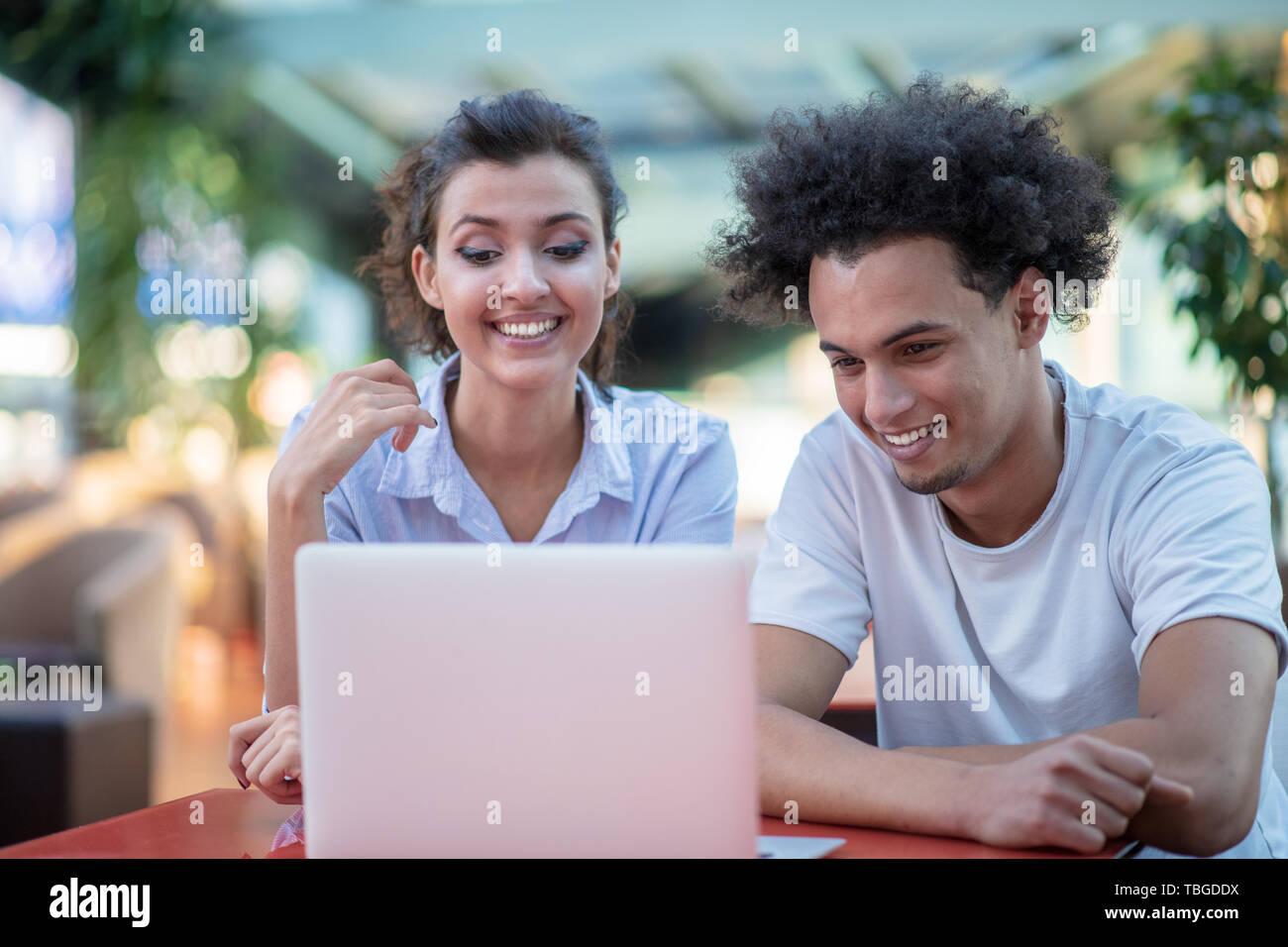 qu'est-ce que vous cherchez dans une relation partenaire de rencontres profil