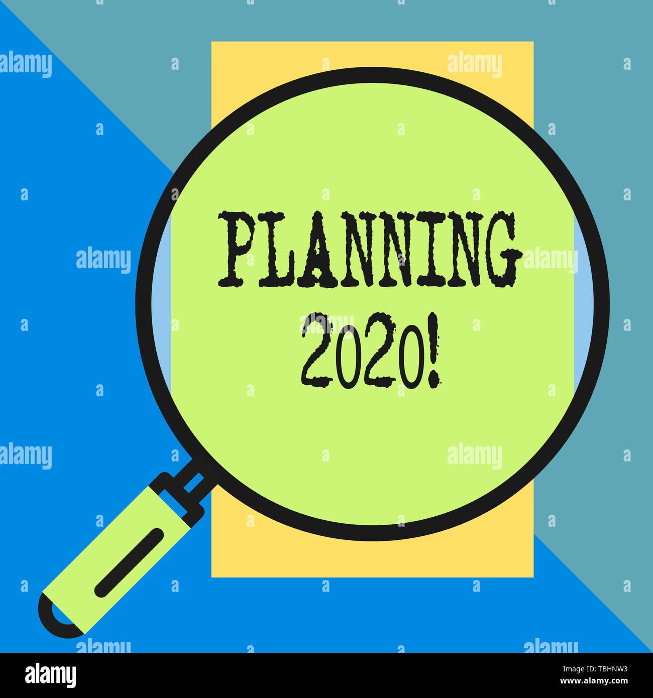 La planification du texte de l'écriture en 2020. Photo conceptuelle processus de faire des plans pour l'année prochaine quelque chose de grand port à rectangle vertical. Géométriques incorporés Photo Stock