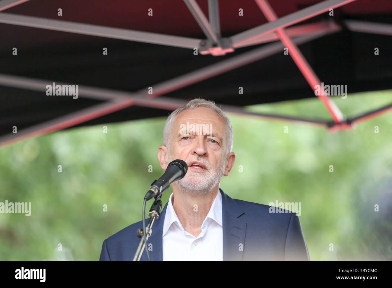 Whitehall, Londres, Royaume-Uni. 4 juin, 2019. Jeremy Corbyn chef du parti parle à un rassemblement contre la visite d'état de Donald Trump. Penelope Barritt/Alamy Live News Banque D'Images