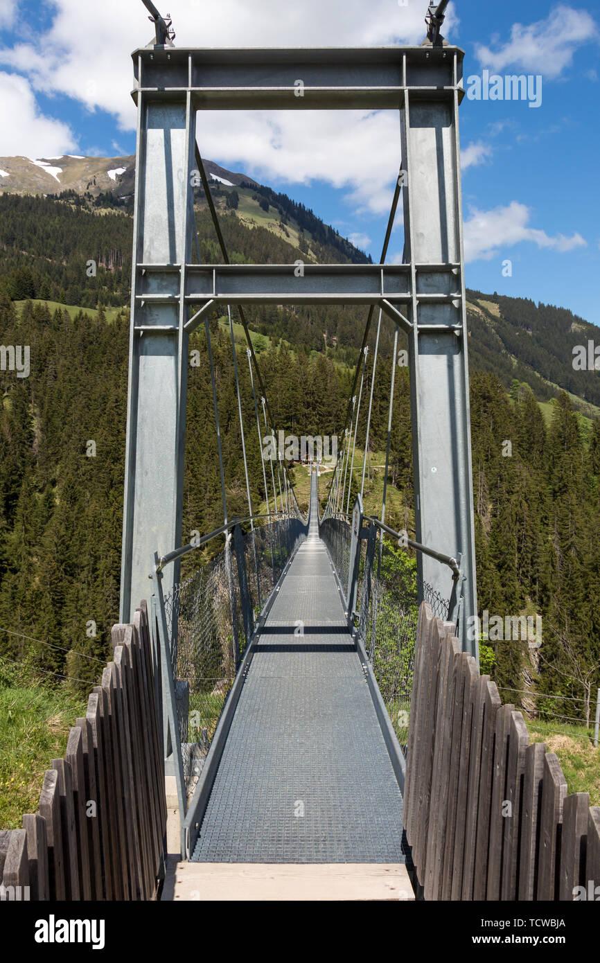 Pont suspendu de Holzgau Banque D'Images