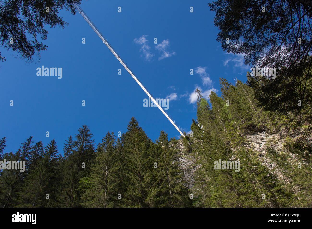 Pont suspendu de 20130615 ci-dessous. Banque D'Images