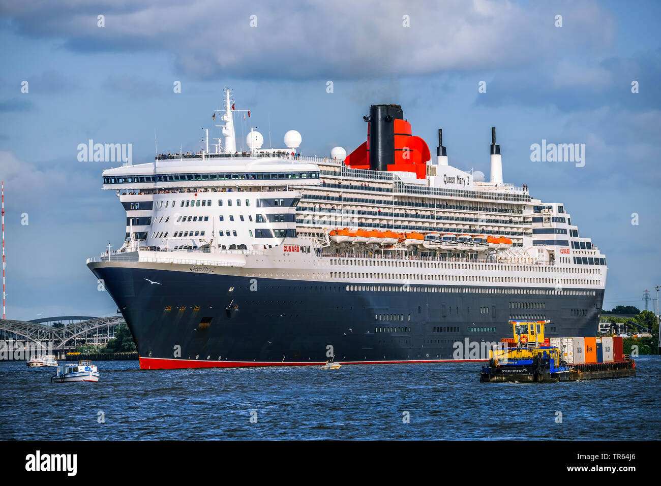 Cruiser ship Queen Mary 2 au port de Hambourg, Allemagne, Hambourg Banque D'Images